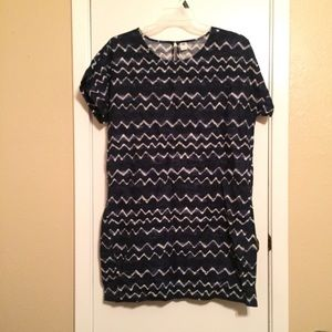Old Navy Dress with Zig Zag design